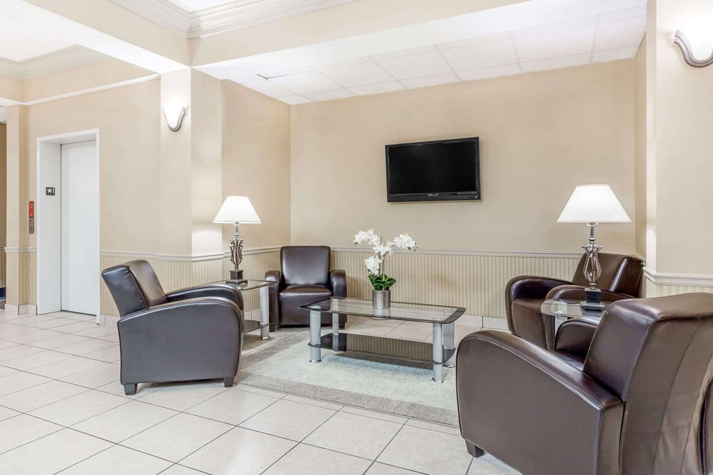 Lobby - Baymont Inn & Suites Cartersville