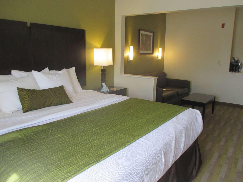best western hilliard inn suites oh see discounts. Black Bedroom Furniture Sets. Home Design Ideas