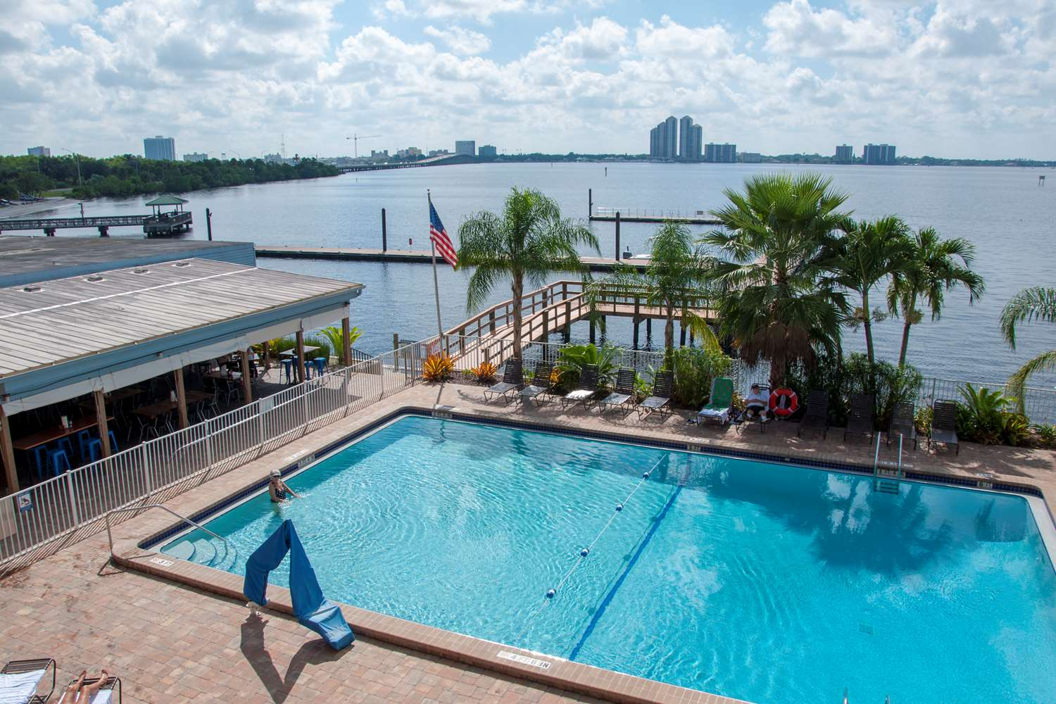 Pool - Best Western North Fort Myers Waterfront Hotel
