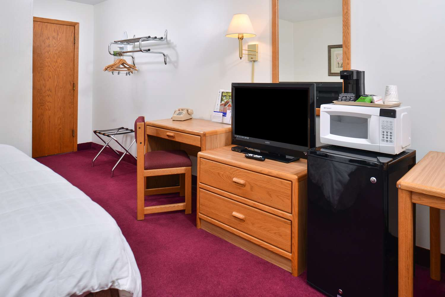 Room - Americas Best Value Inn Sauk Centre