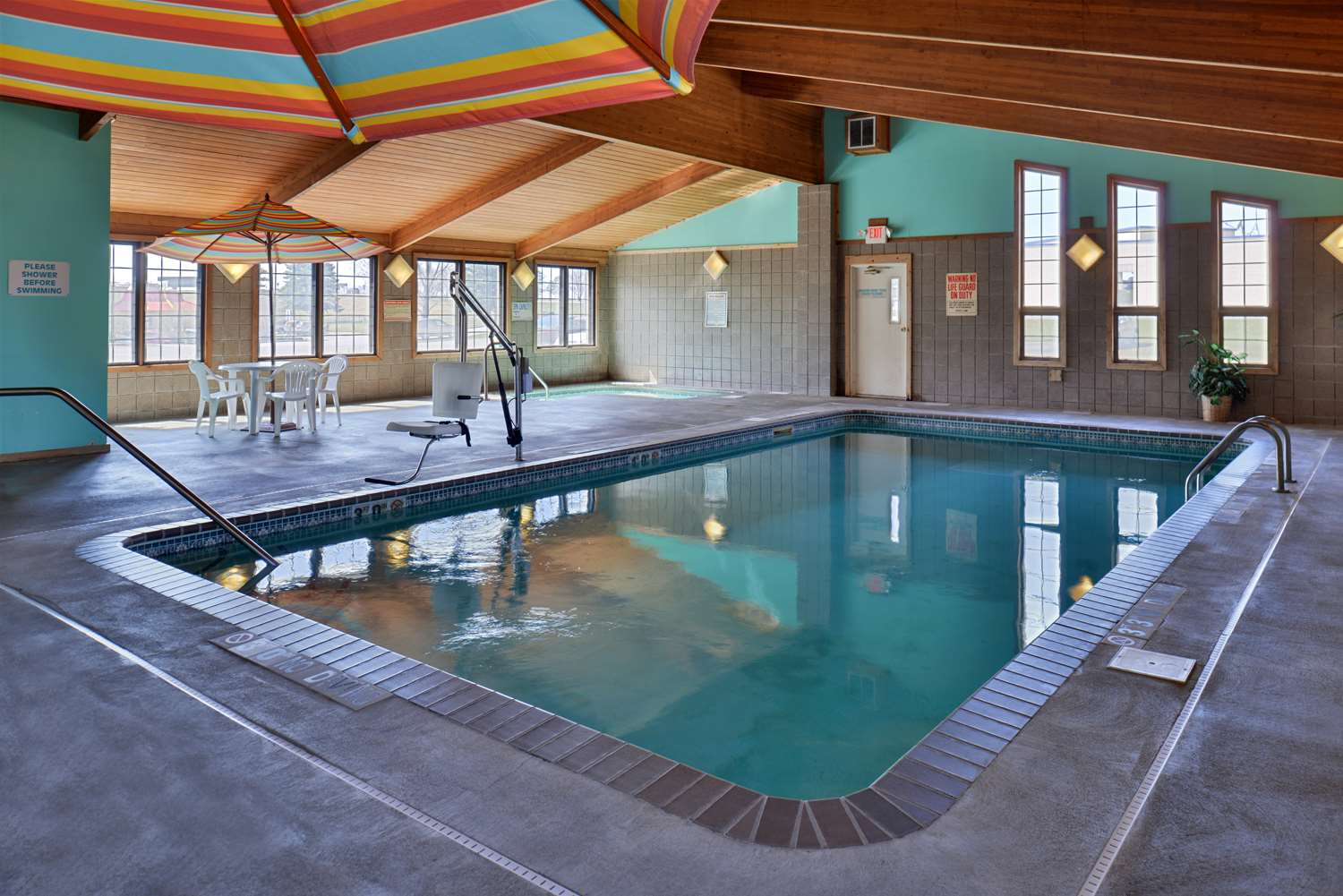 Pool - Americas Best Value Inn Sauk Centre