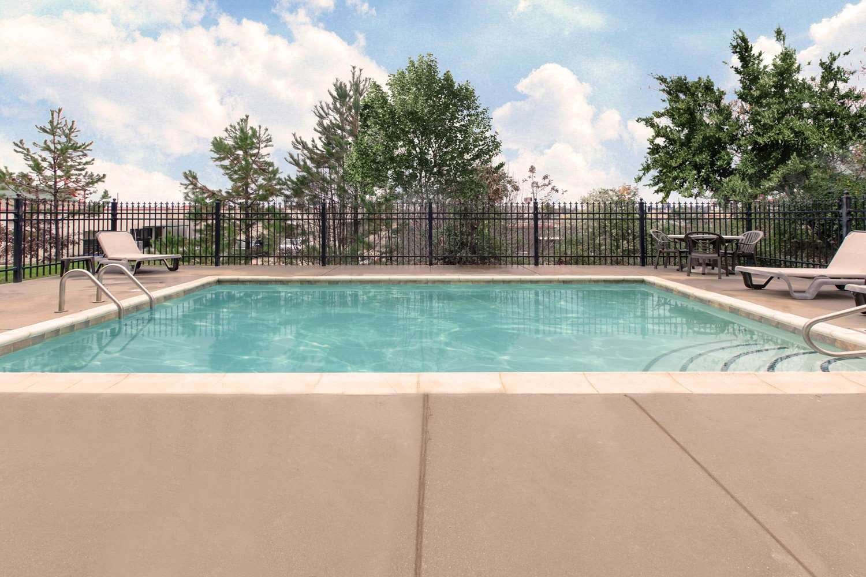 Pool - Hawthorn Suites by Wyndham Longview