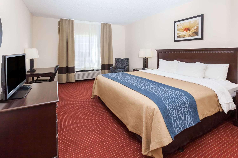 Room - Baymont Inn & Suites Point Mallard Decatur