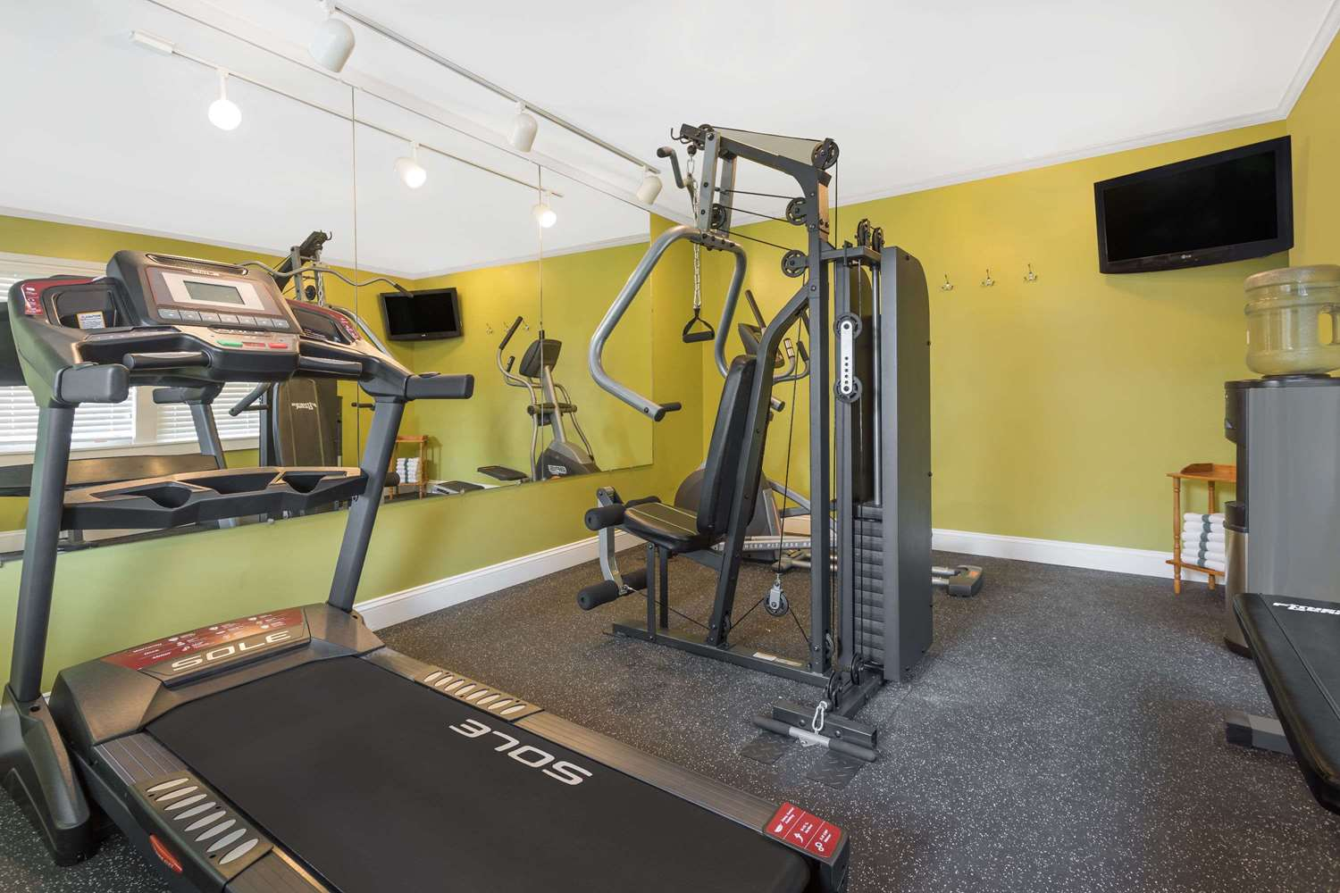 Fitness/ Exercise Room - Baymont Inn & Suites Sevierville