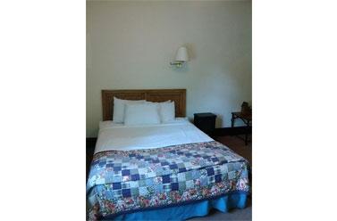 Room - Riverside Hot Spring Inn Lava Hot Springs