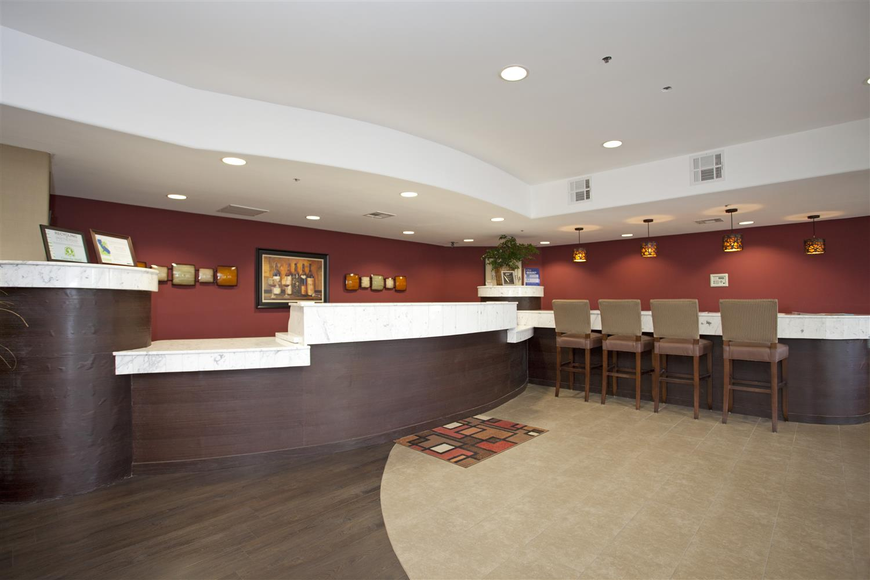 Lobby - Best Western Plus Wine Country Inn Santa Rosa