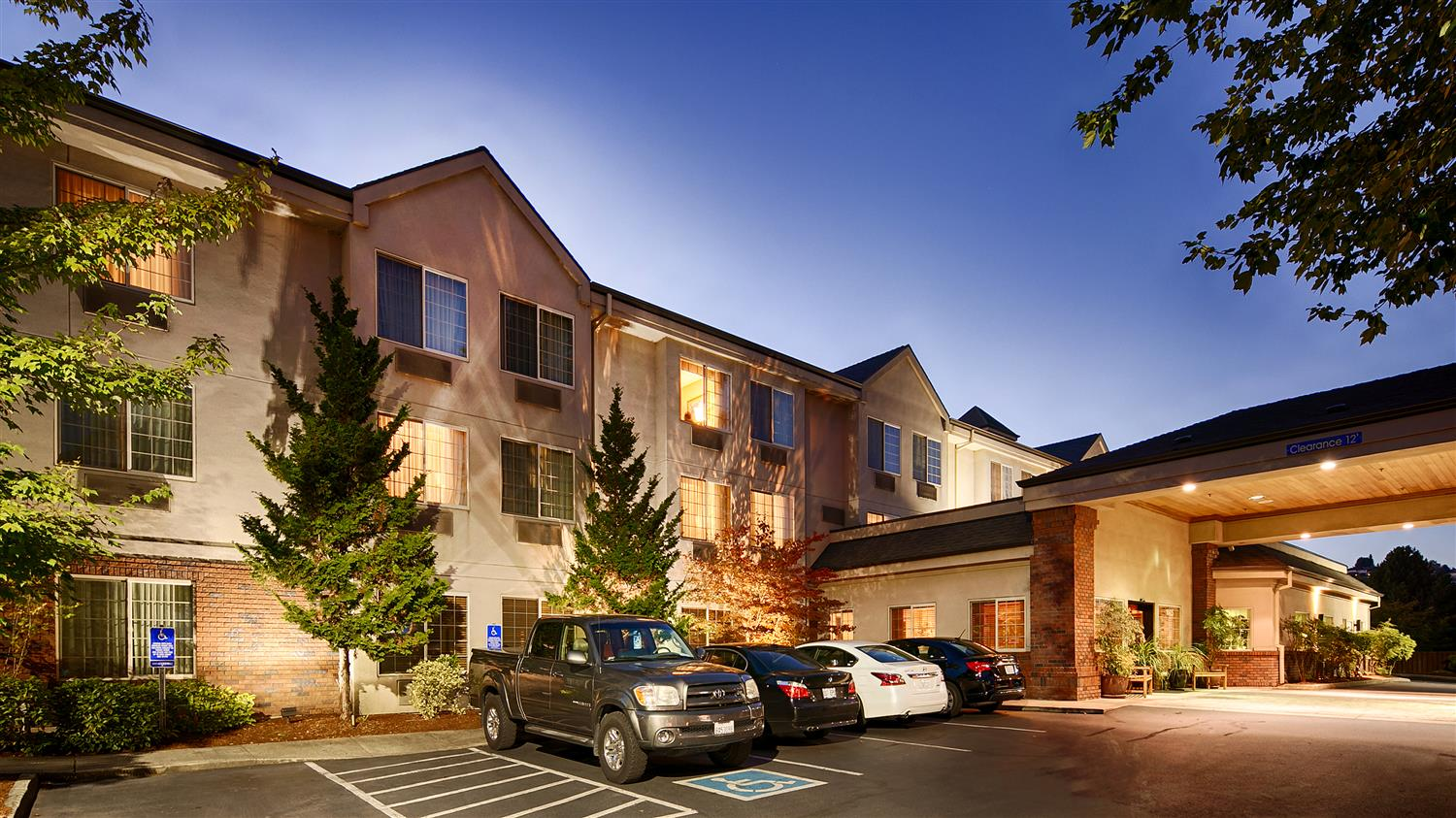 Best Western Plus Northwind Inn & Suites King City, OR - See Discounts