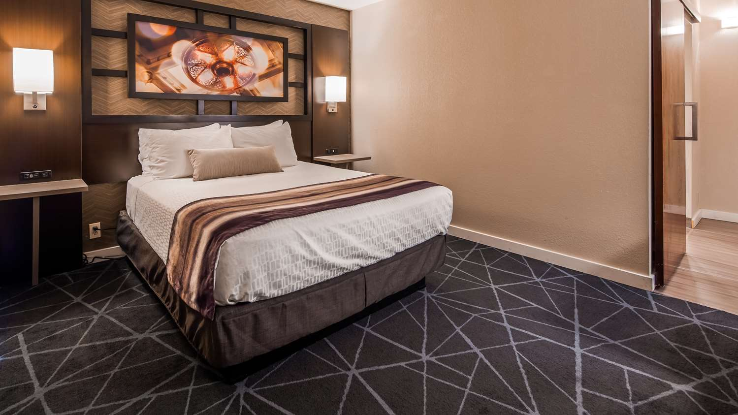 Room - Best Western Plus Hotel Central Austin