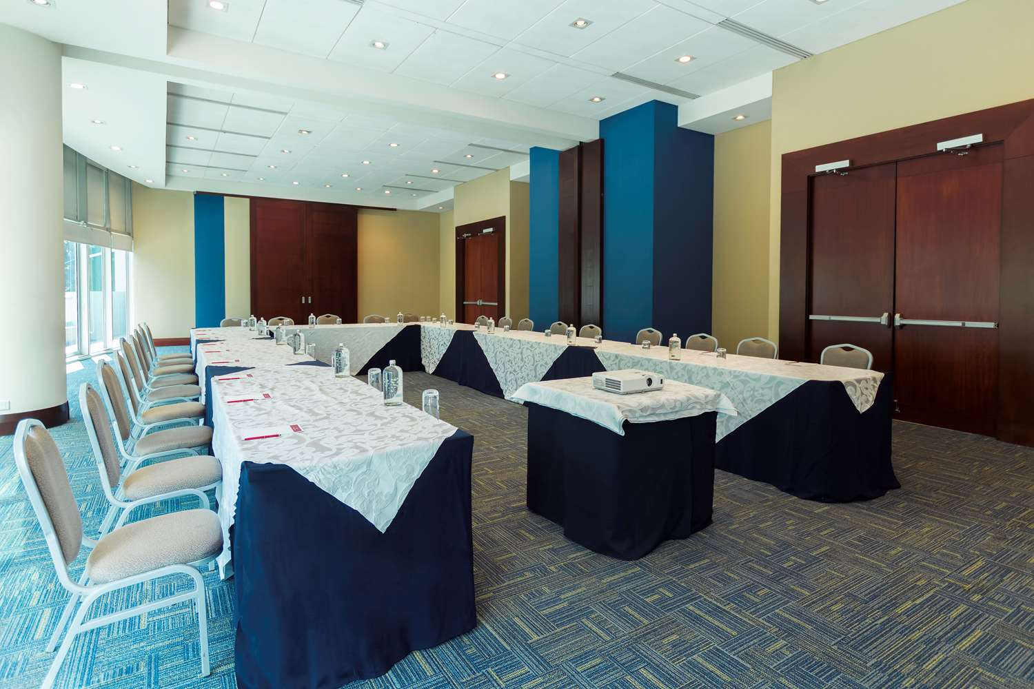 Meeting room - U-shaped