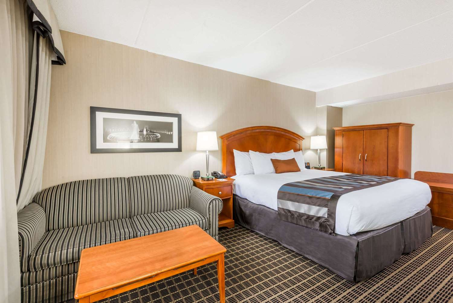 Room - Wingate by Wyndham Hotel Springfield