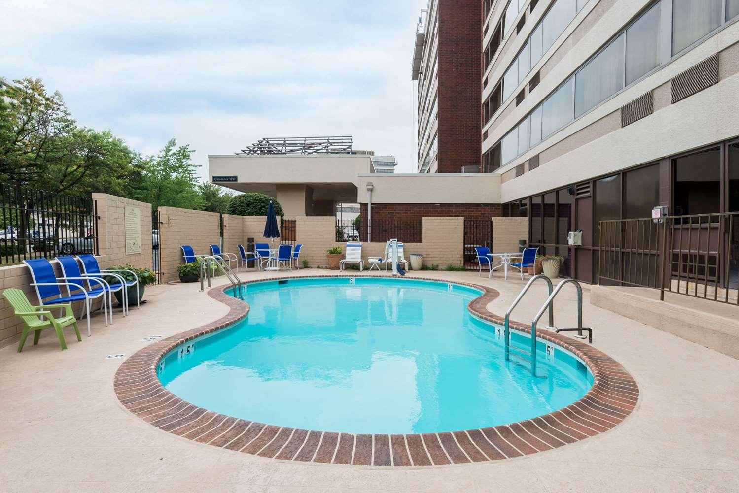 Pool - Wingate by Wyndham Hotel Springfield