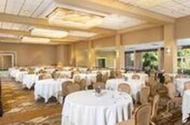 Restaurant - Handlery Hotel San Diego