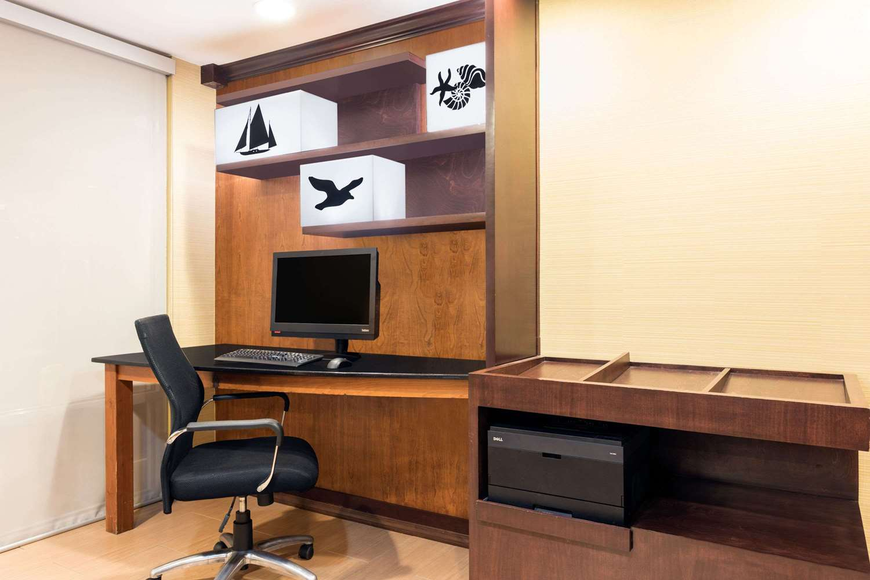Conference Area - Baymont Inn & Suites Midtown Savannah