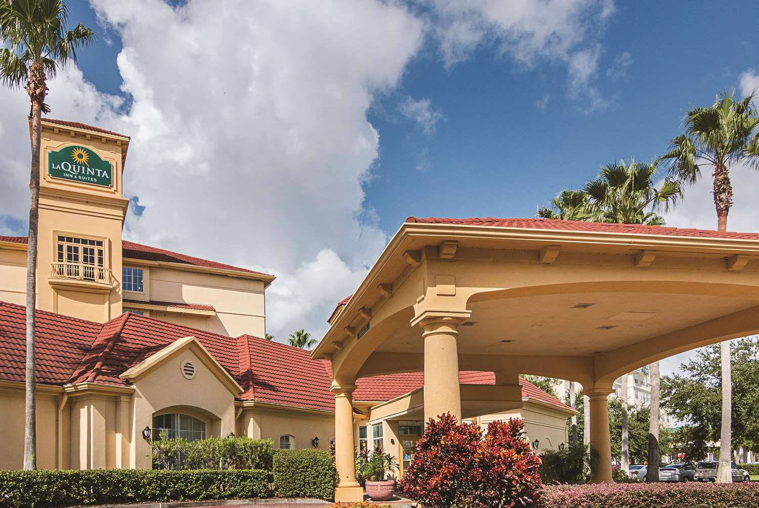 Exterior view - La Quinta Inn & Suites Airport North Orlando
