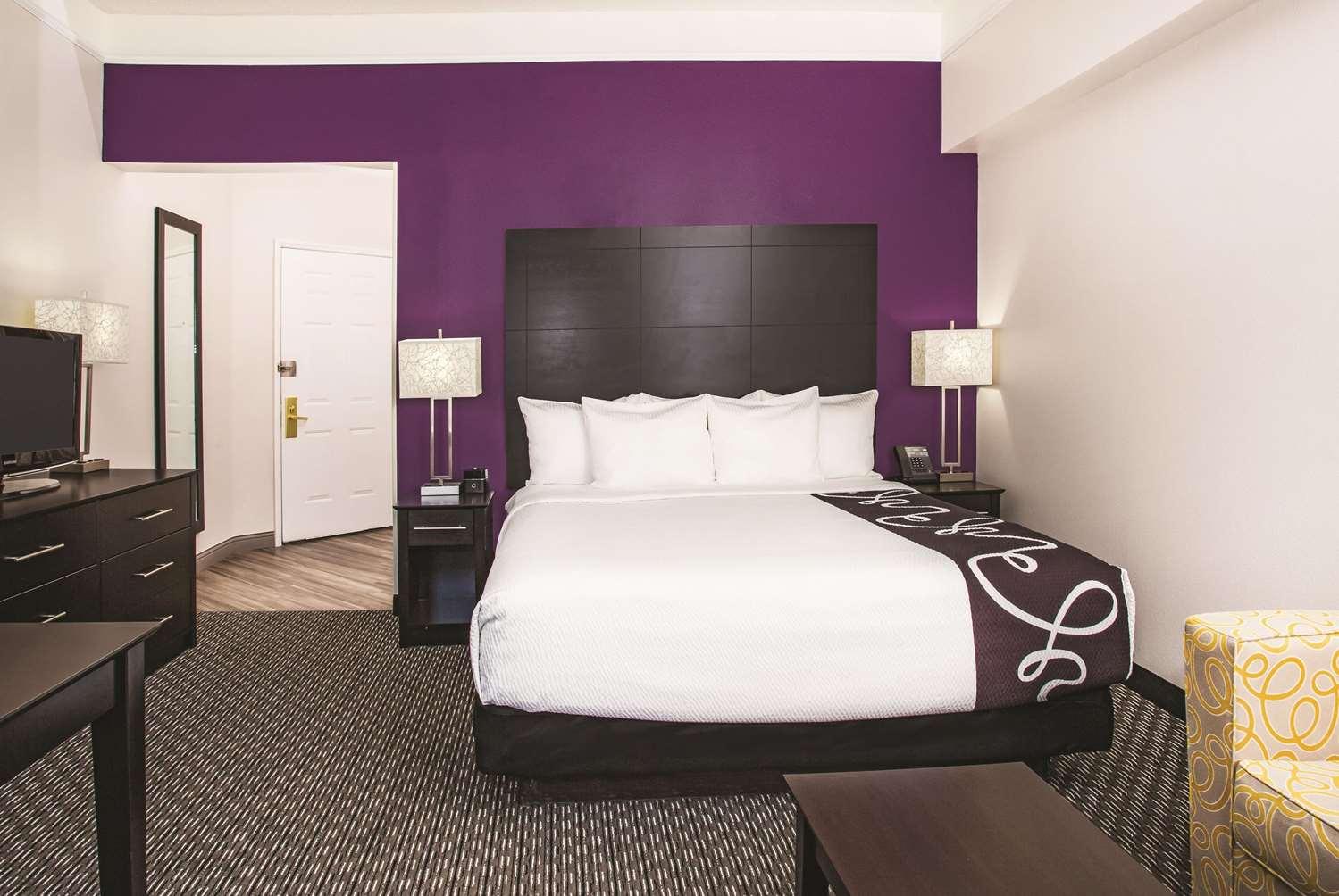 Room - La Quinta Inn & Suites Las Vegas
