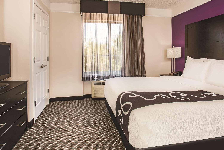 Suite - La Quinta Inn & Suites Las Vegas