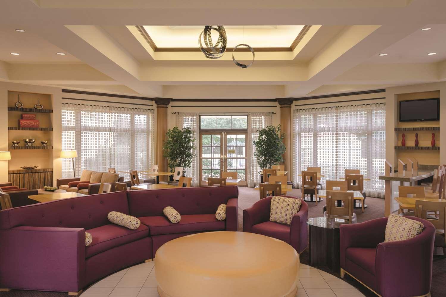 Lobby - La Quinta Inn & Suites Primacy Parkway Memphis