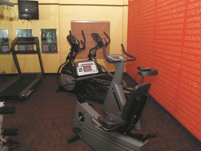 Fitness/ Exercise Room - La Quinta Inn & Suites Primacy Parkway Memphis