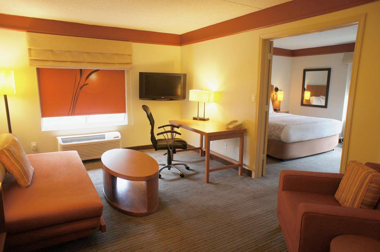 Suite - La Quinta Inn & Suites Primacy Parkway Memphis