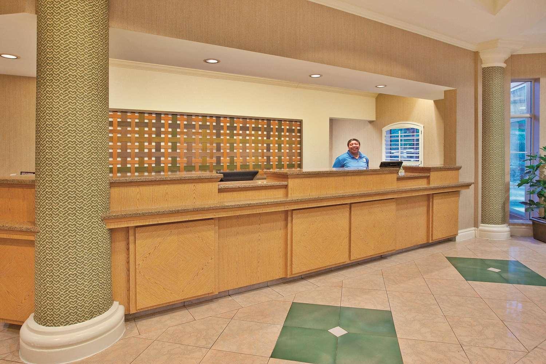 Lobby - La Quinta Inn & Suites Winston-Salem