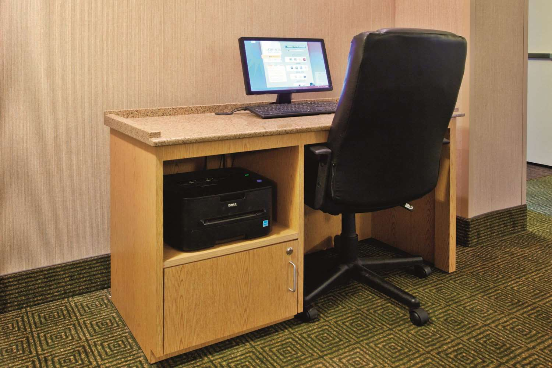 Conference Area - La Quinta Inn & Suites Winston-Salem