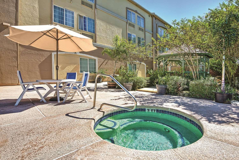 Pool - La Quinta Inn & Suites Brownsville