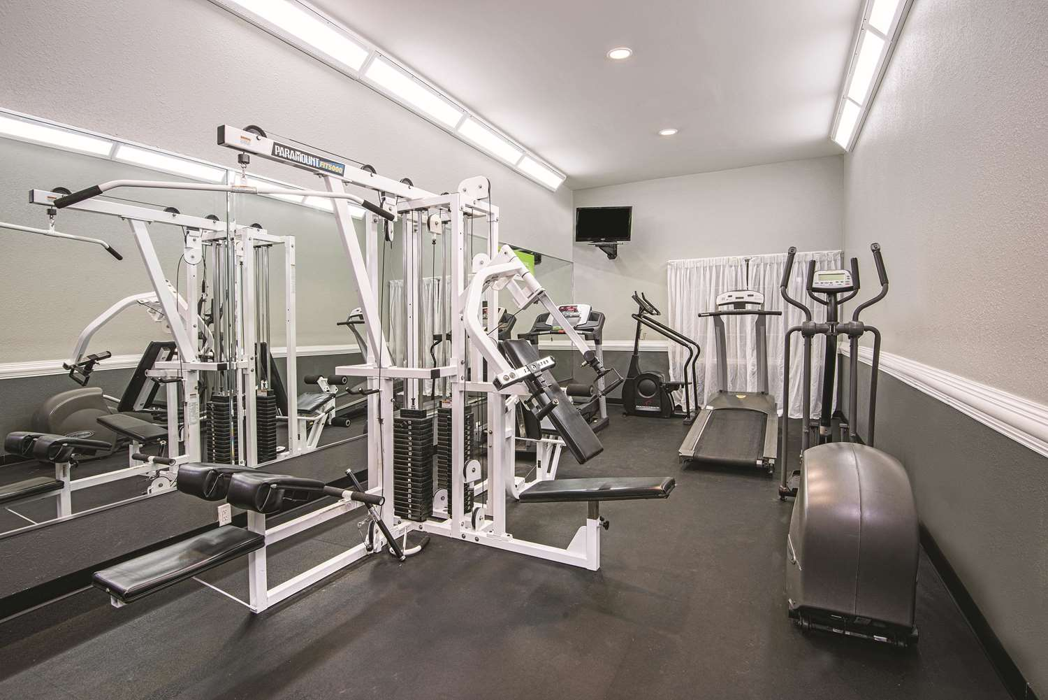 Fitness/ Exercise Room - La Quinta Inn & Suites Brownsville