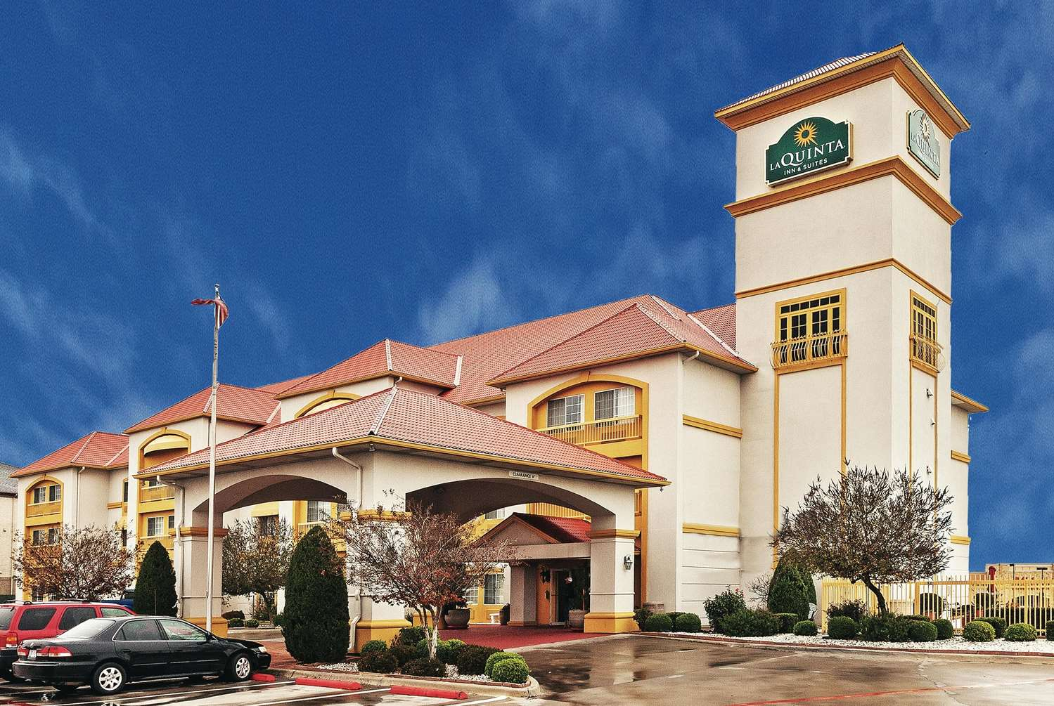 Exterior view - La Quinta Inn & Suites Weatherford