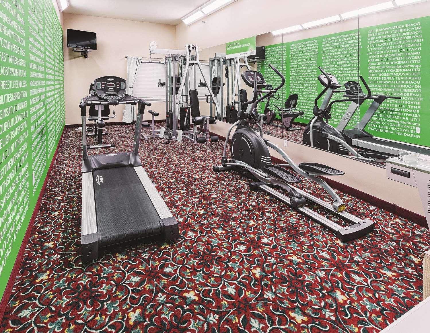 Fitness/ Exercise Room - La Quinta Inn & Suites Weatherford