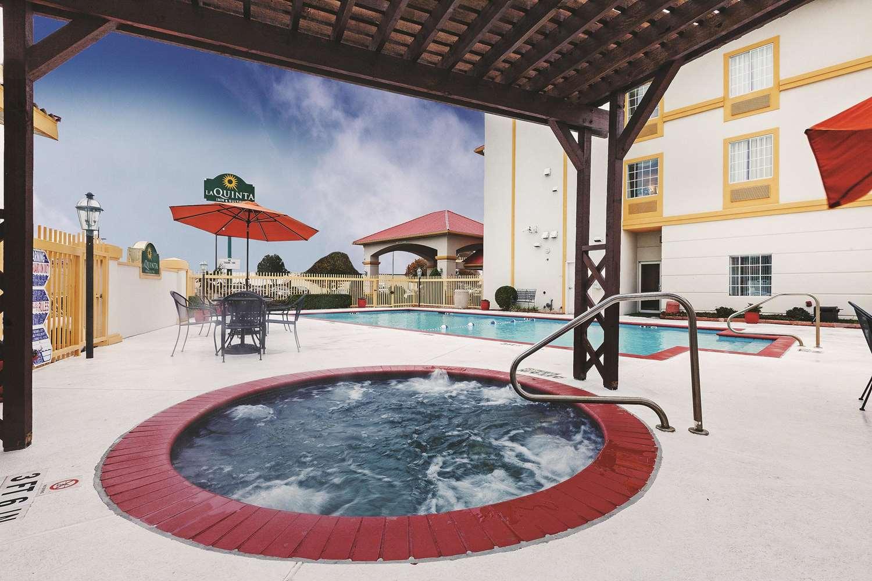 Pool - La Quinta Inn & Suites Weatherford