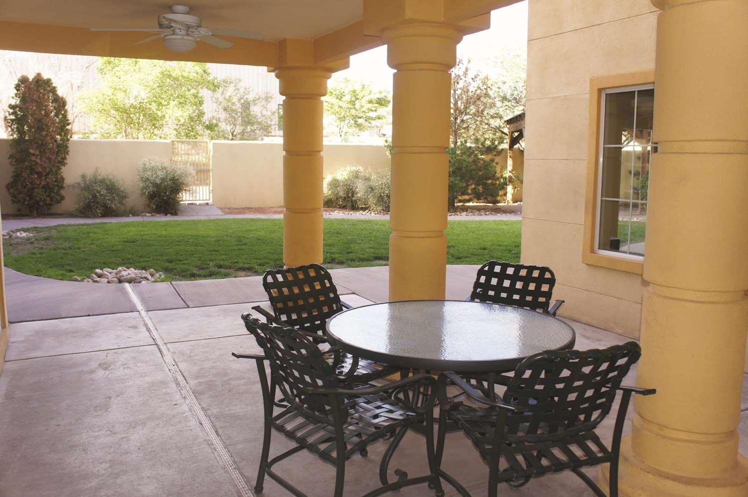 Exterior view - La Quinta Inn & Suites Midtown Albuquerque