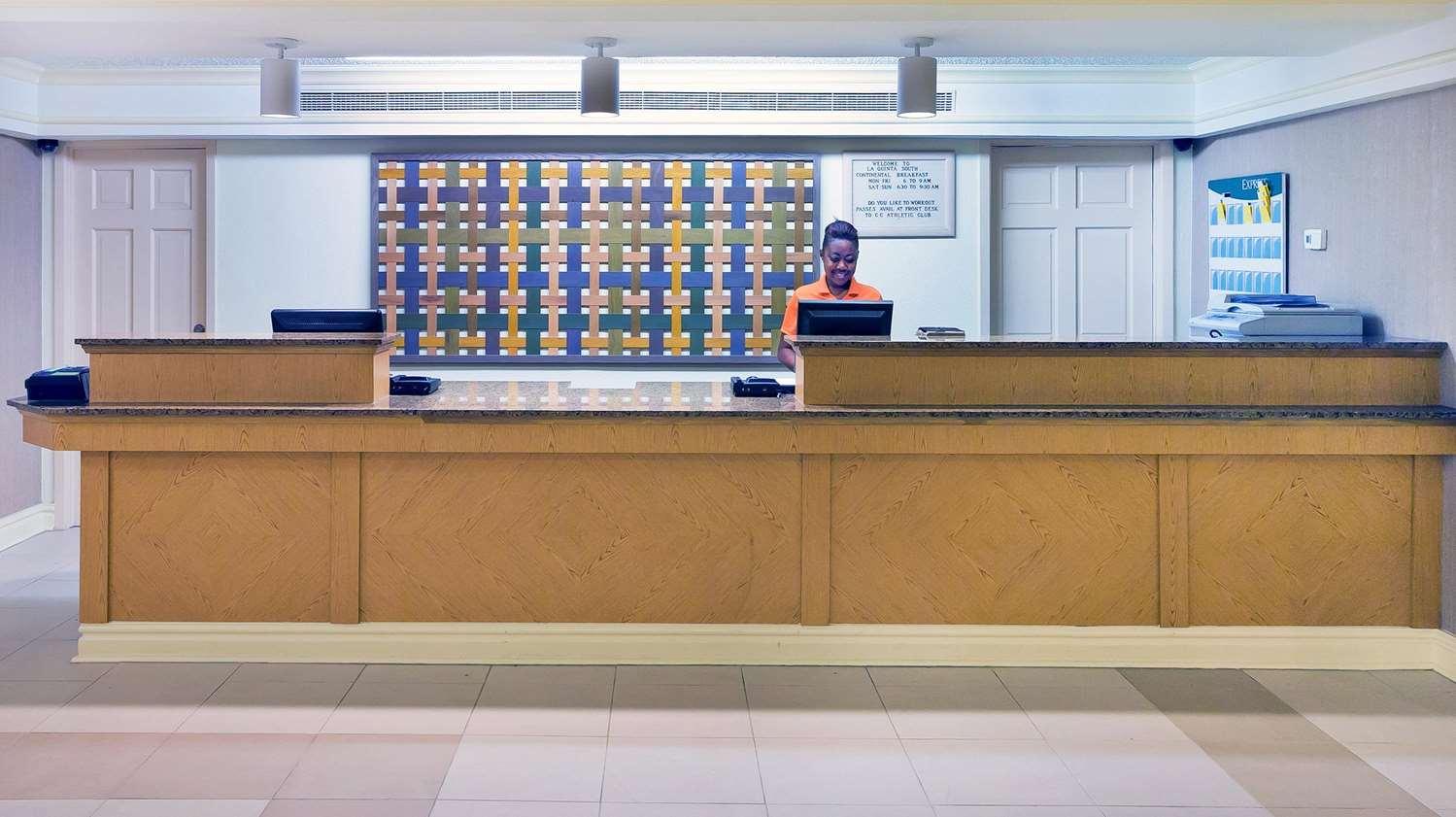 Lobby - La Quinta Inn South Corpus Christi