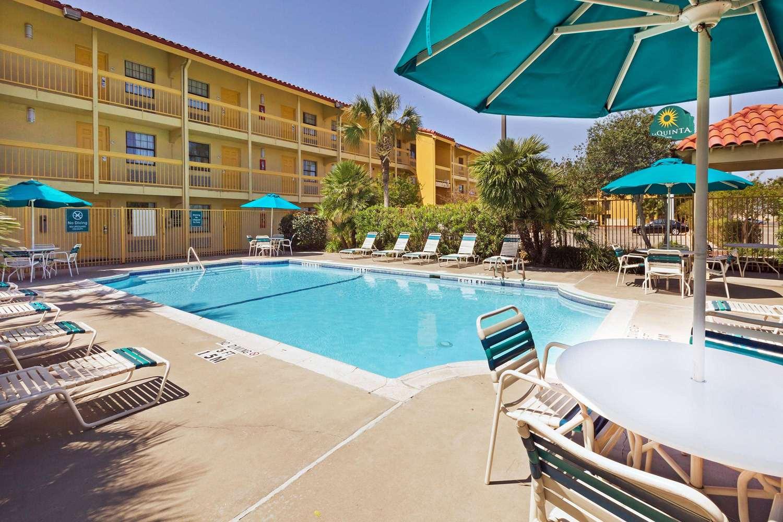 Pool - La Quinta Inn South Corpus Christi