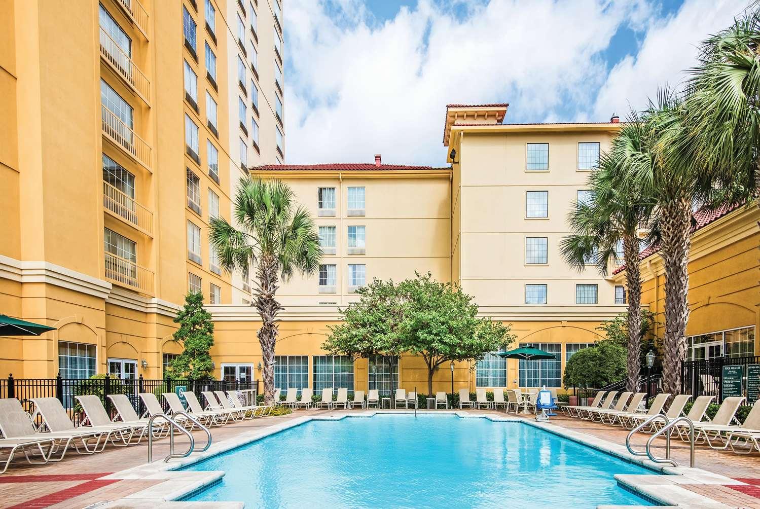 Pool - La Quinta Inn & Suites Convention Center San Antonio