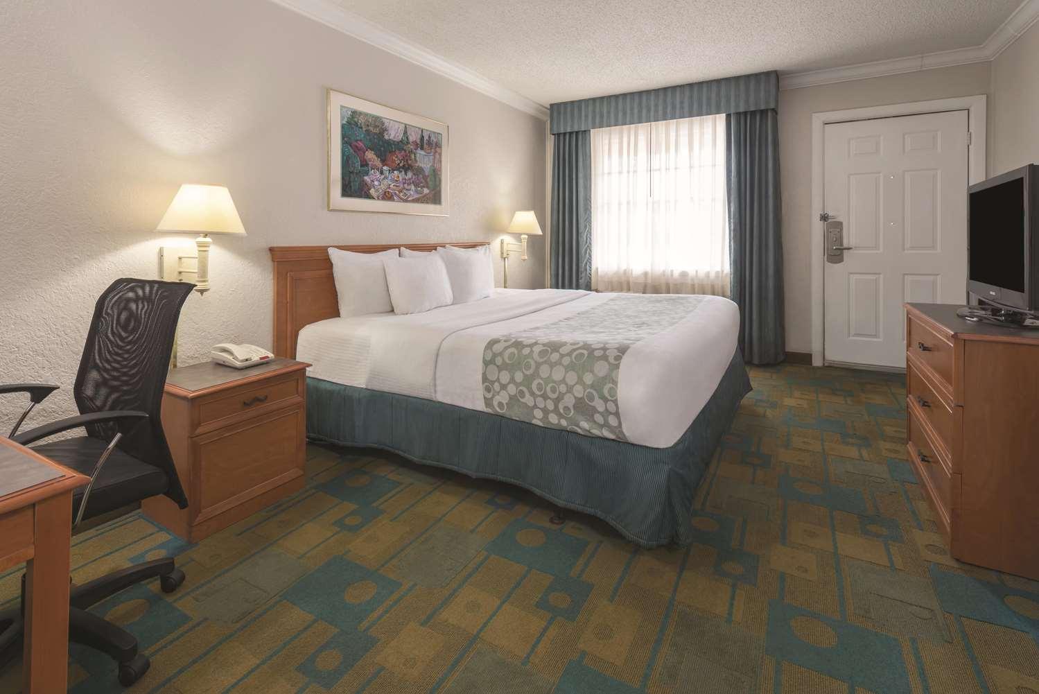Room - La Quinta Inn New Orleans Causeway Metairie