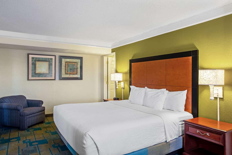 Suite - La Quinta Inn Killeen