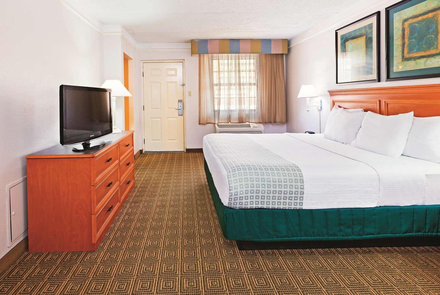 Room - La Quinta Inn College Station