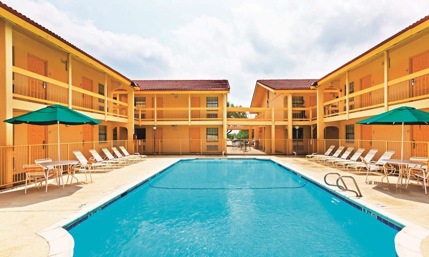 Pool - La Quinta Inn College Station
