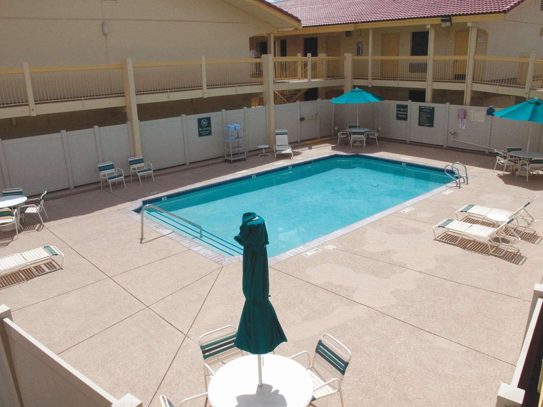Pool - La Quinta Inn Airport Reno