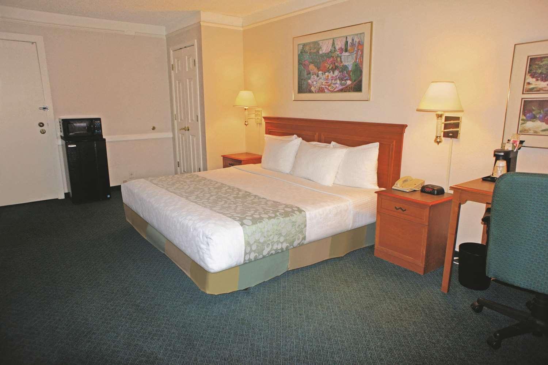 Room - La Quinta Inn Airport Reno