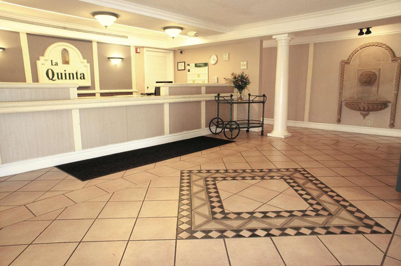 Lobby - La Quinta Inn Reynoldsburg