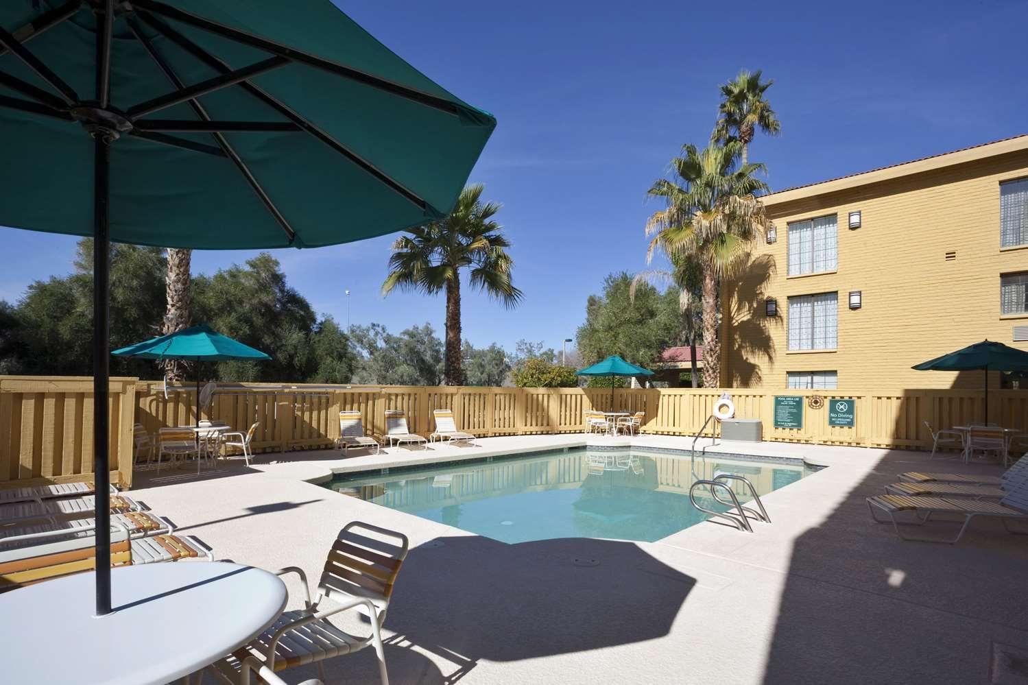 Pool - La Quinta Inn South Airport Tempe
