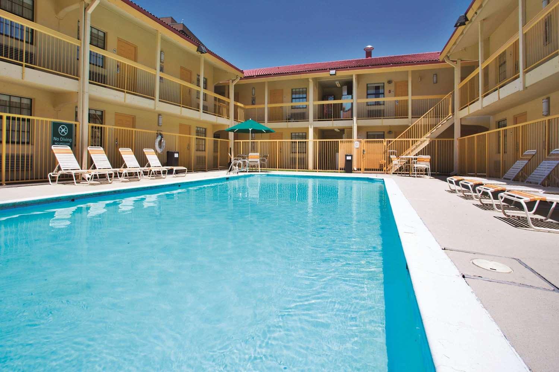 Pool - La Quinta Inn Baton Rouge