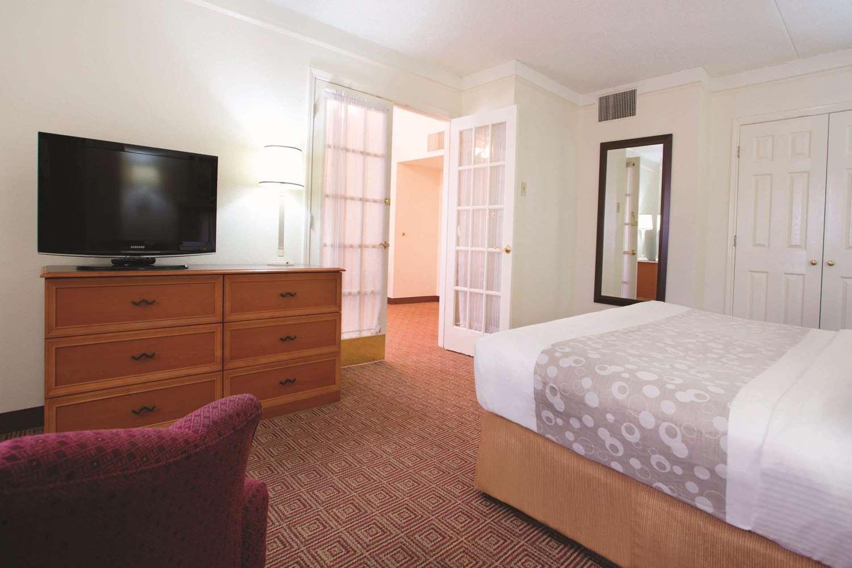 Suite - La Quinta Inn Baton Rouge