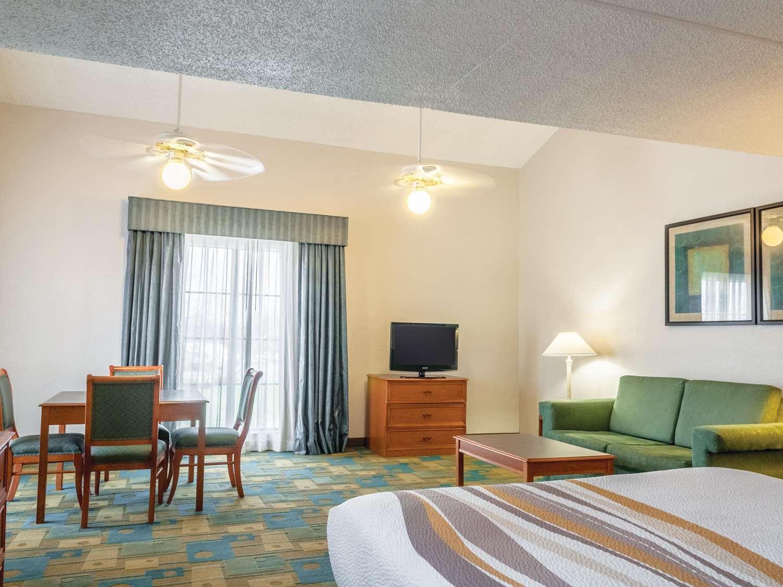 Suite - La Quinta Inn Gretna