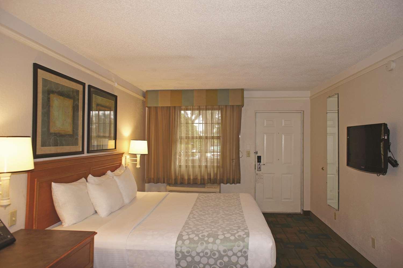 Room - La Quinta Inn Pensacola