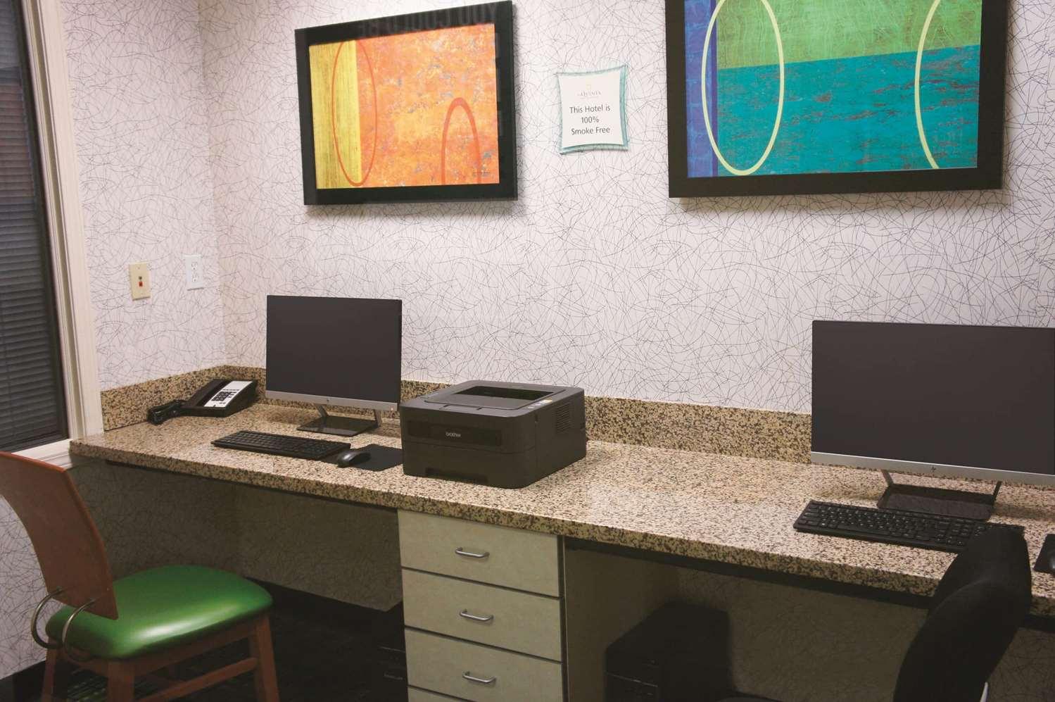 Conference Area - La Quinta Inn & Suites Central Tulsa