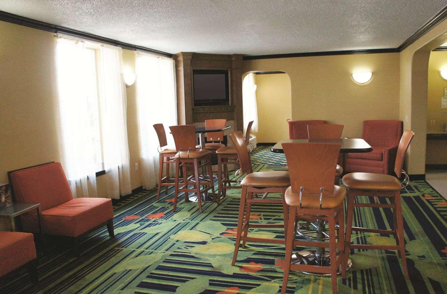 proam - La Quinta Inn & Suites Central Tulsa
