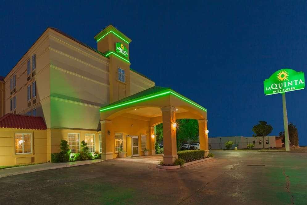 Exterior view - La Quinta Inn & Suites Central Tulsa