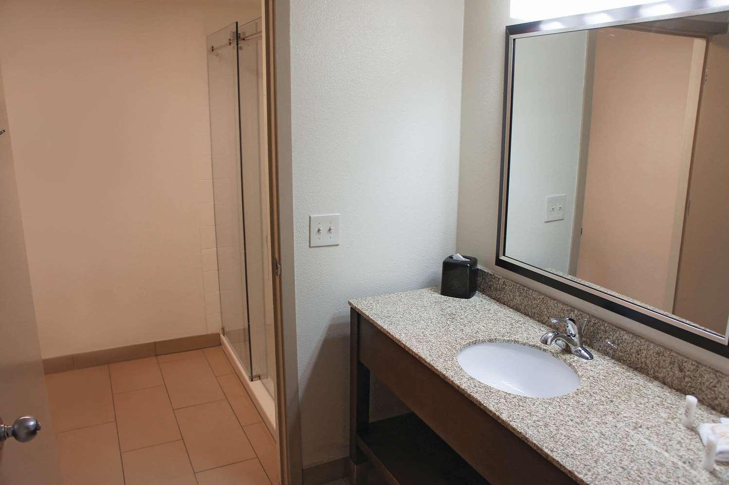 Room - La Quinta Inn & Suites Hayward